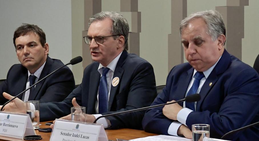 Ex-conselheiro do CADE pede fim da verticalização no sistema financeiro
