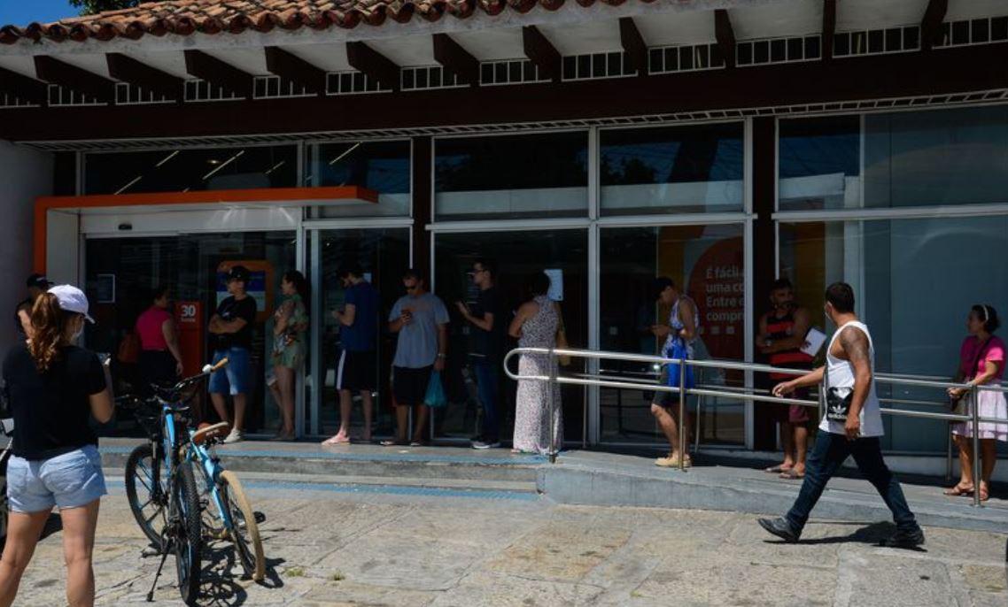 194 agências bancárias fecham na pandemia e mais de 40% dos municípios ficam sem bancos